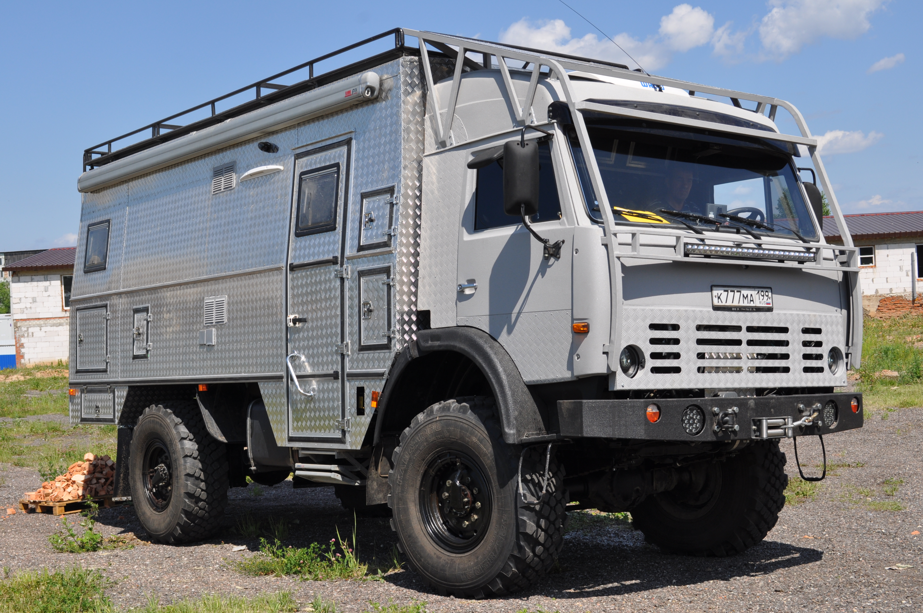 1000 images about expedition vehicules overlanding on pinterest. Black Bedroom Furniture Sets. Home Design Ideas